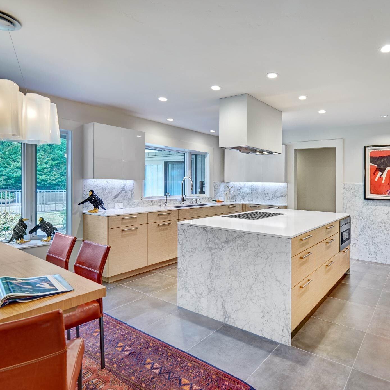 modern white & wood kitchen
