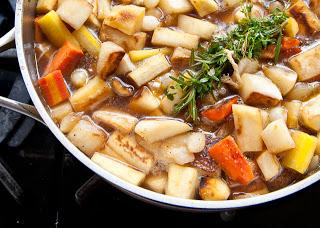 Veg+pie+simmering+w+herbs.jpg