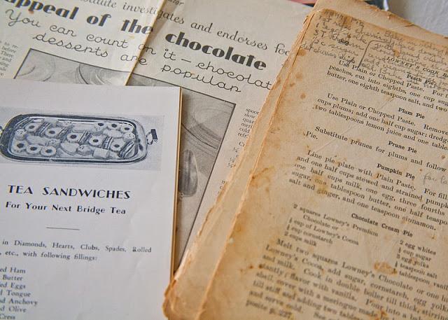 Grandmother%2527s+cookbooks+w.+ads-15.jpg