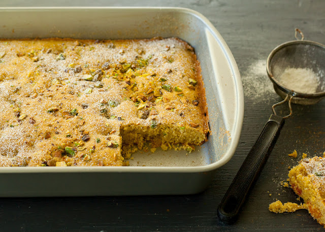 Pistachio+cake+with+kumquats-in+pan.jpg