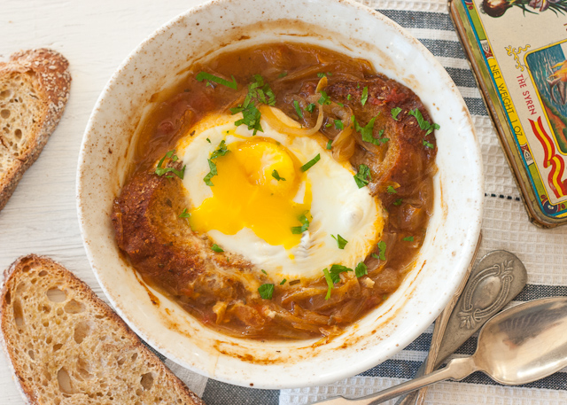onion+soup+broken+egg2.jpg