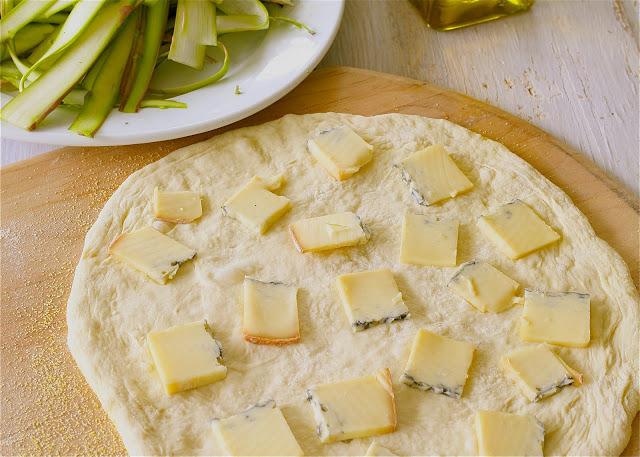 Asparagus+pizza+2.jpg