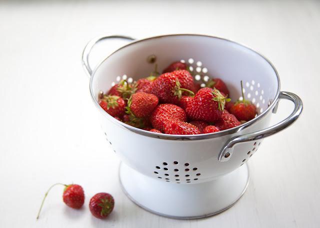 Strawberries+in+colander.jpg