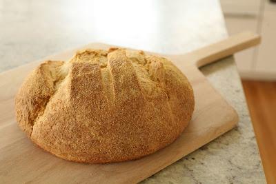 Golden corn bread