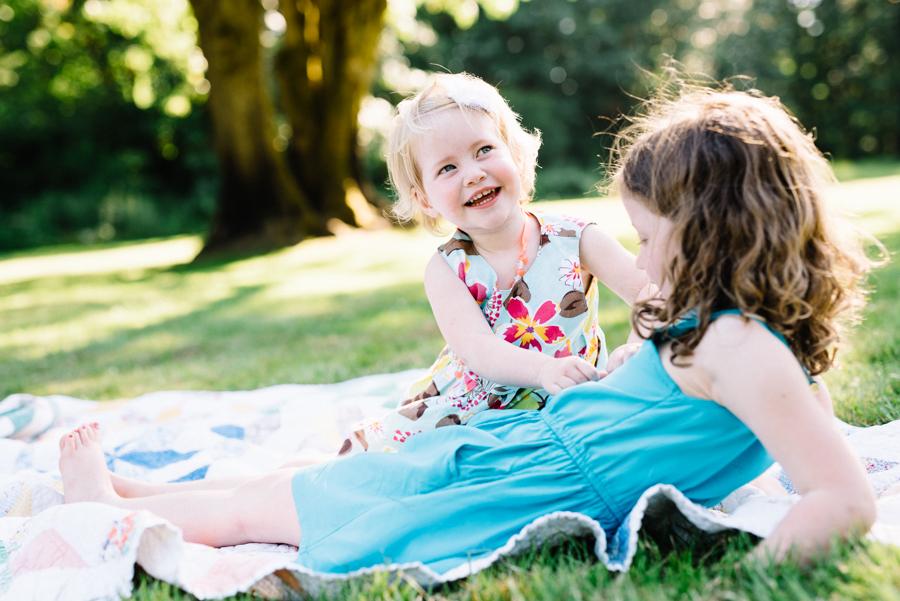 redmond-family-photographer-jenn-tai-coles-family-session-at-farrel-mcwhirter-farmjtpa00503.JPG