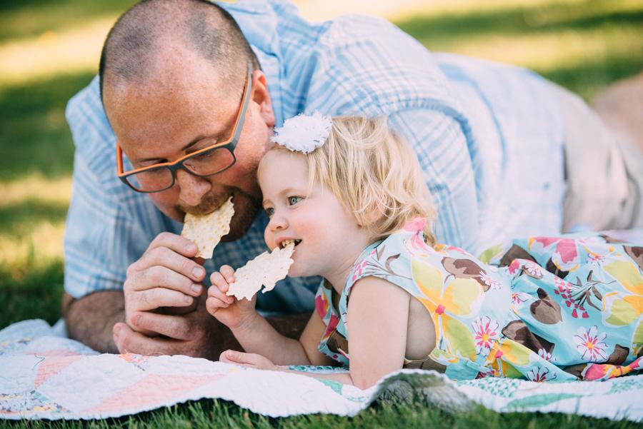 redmond-family-photographer-jenn-tai-coles-family-session-at-farrel-mcwhirter-farmjtpa00508.JPG