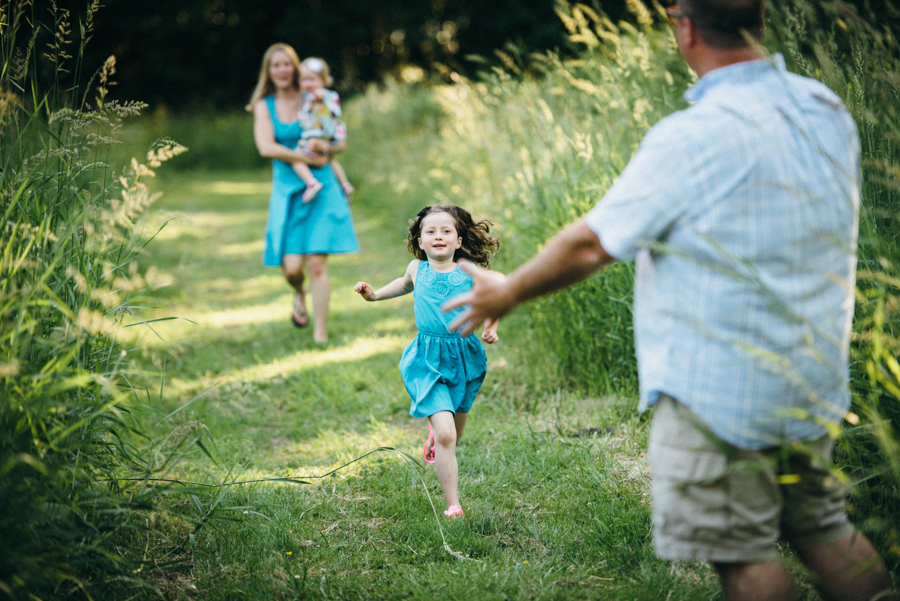 redmond-family-photographer-jenn-tai-coles-family-session-at-farrel-mcwhirter-farmjtpa00513.JPG