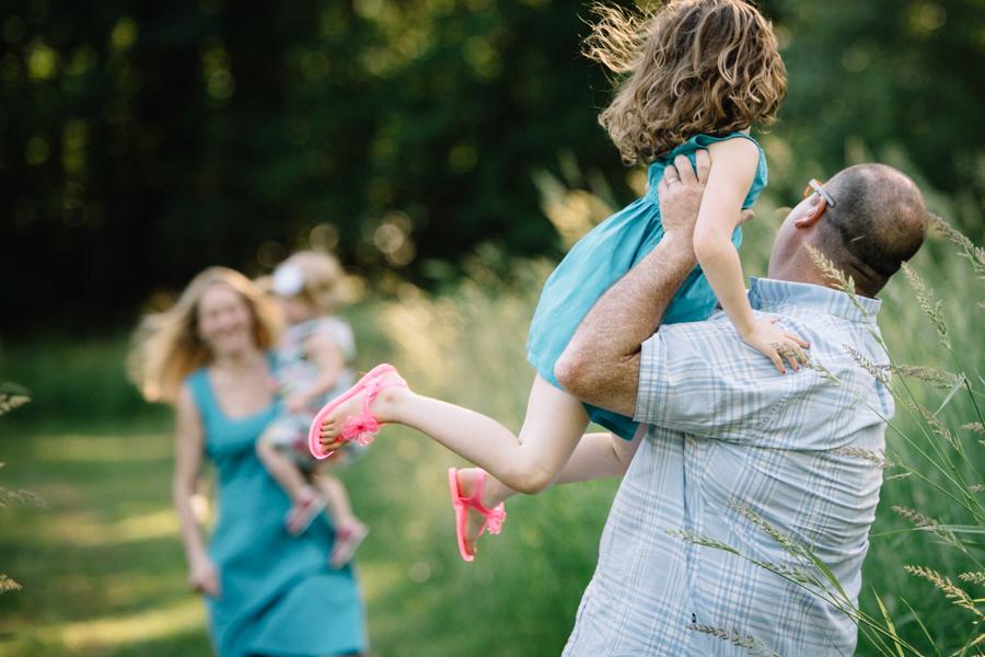 redmond-family-photographer-jenn-tai-coles-family-session-at-farrel-mcwhirter-farmjtpa00514.JPG