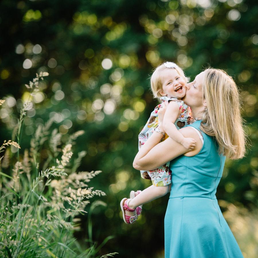 redmond-family-photographer-jenn-tai-coles-family-session-at-farrel-mcwhirter-farmjtpa00517.JPG