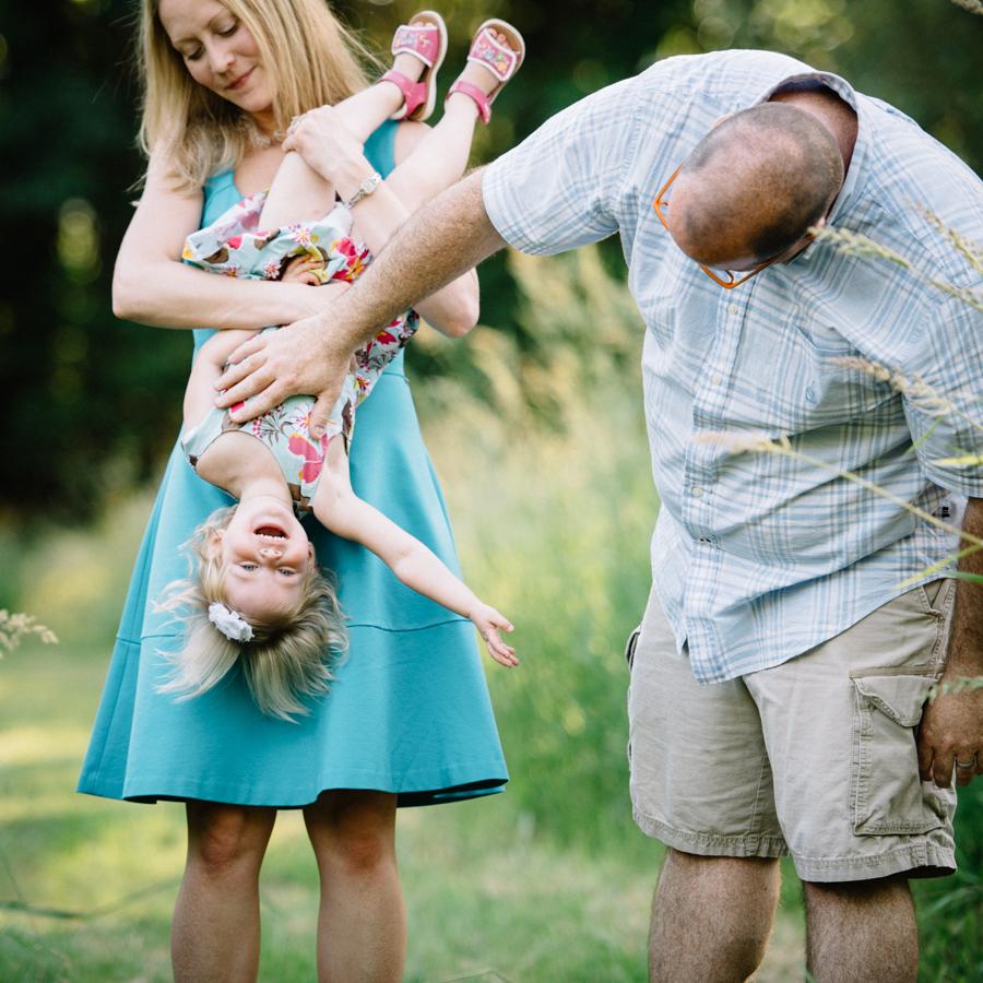 redmond-family-photographer-jenn-tai-coles-family-session-at-farrel-mcwhirter-farmjtpa00518.JPG
