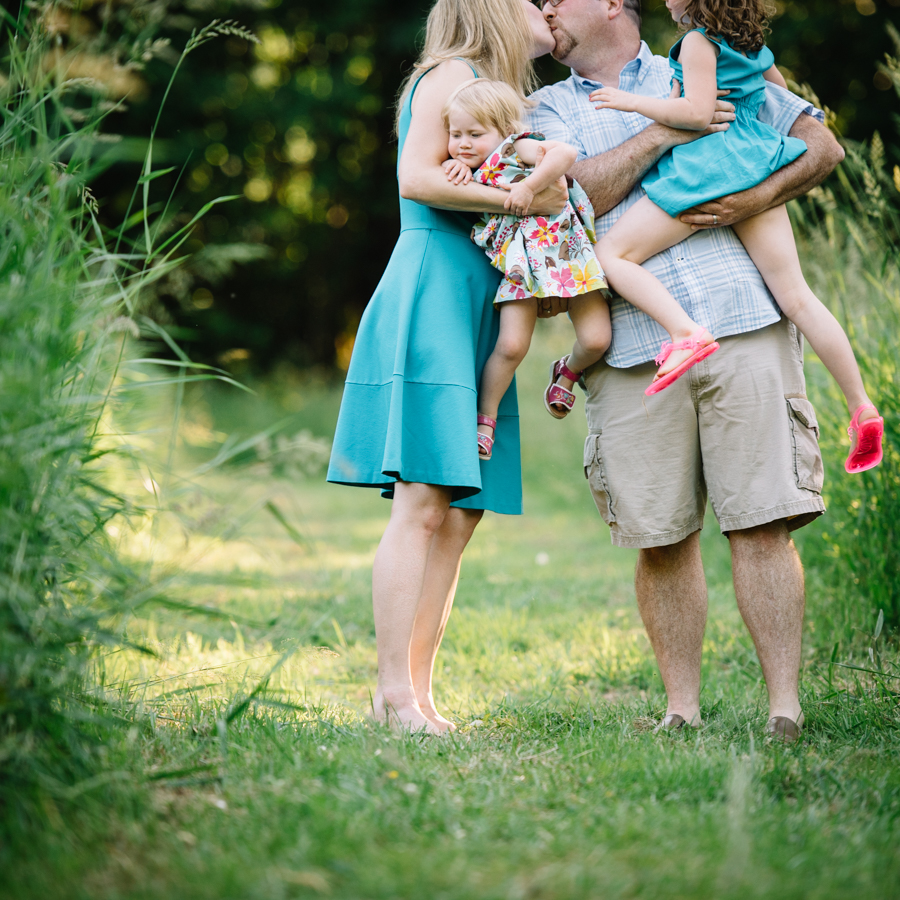 redmond-family-photographer-jenn-tai-coles-family-session-at-farrel-mcwhirter-farmjtpa00519.JPG