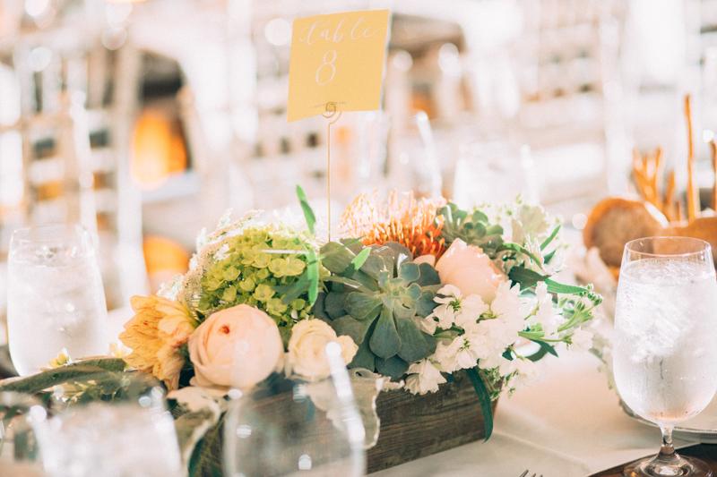 bash-studio-boston-wedding-flowers-centerpieces