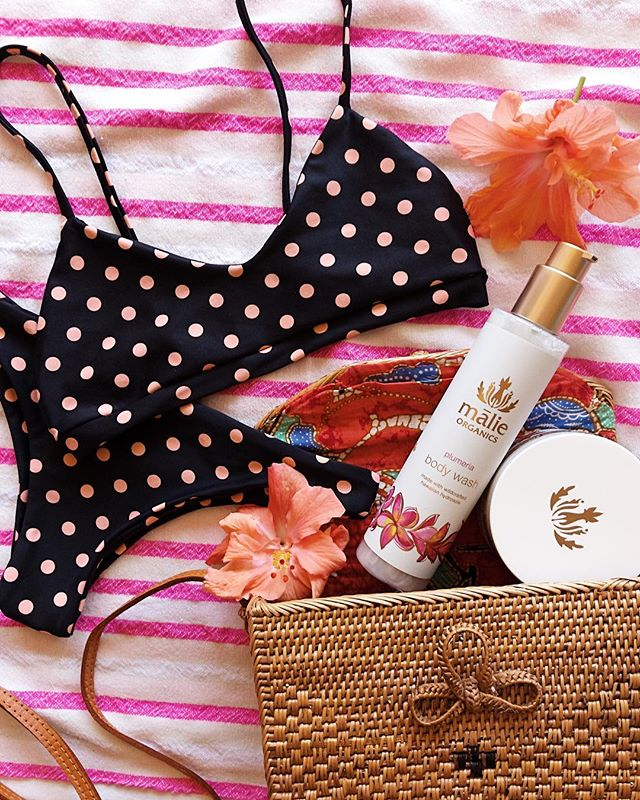 For all you guys who need the perfect Valentine's Day gift idea for your beach girl! Bikinis + @malieorganics 💕👙🌺
