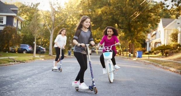 Optimized-kids-playing-with-neighbors-620x330.jpeg