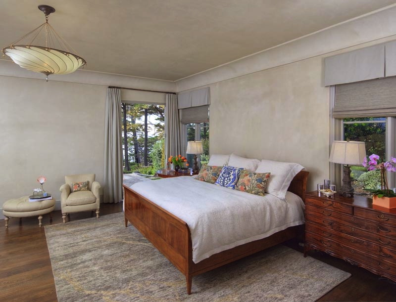 Pebble Beach master bed and white linens