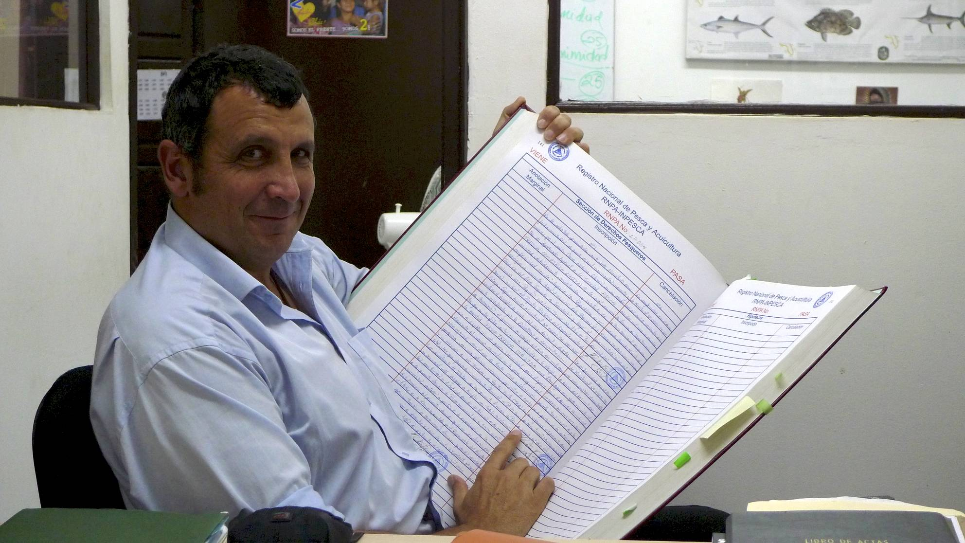 the nicaraguan fishing permits registry... the biggest book that i ever had in my hands....jpg