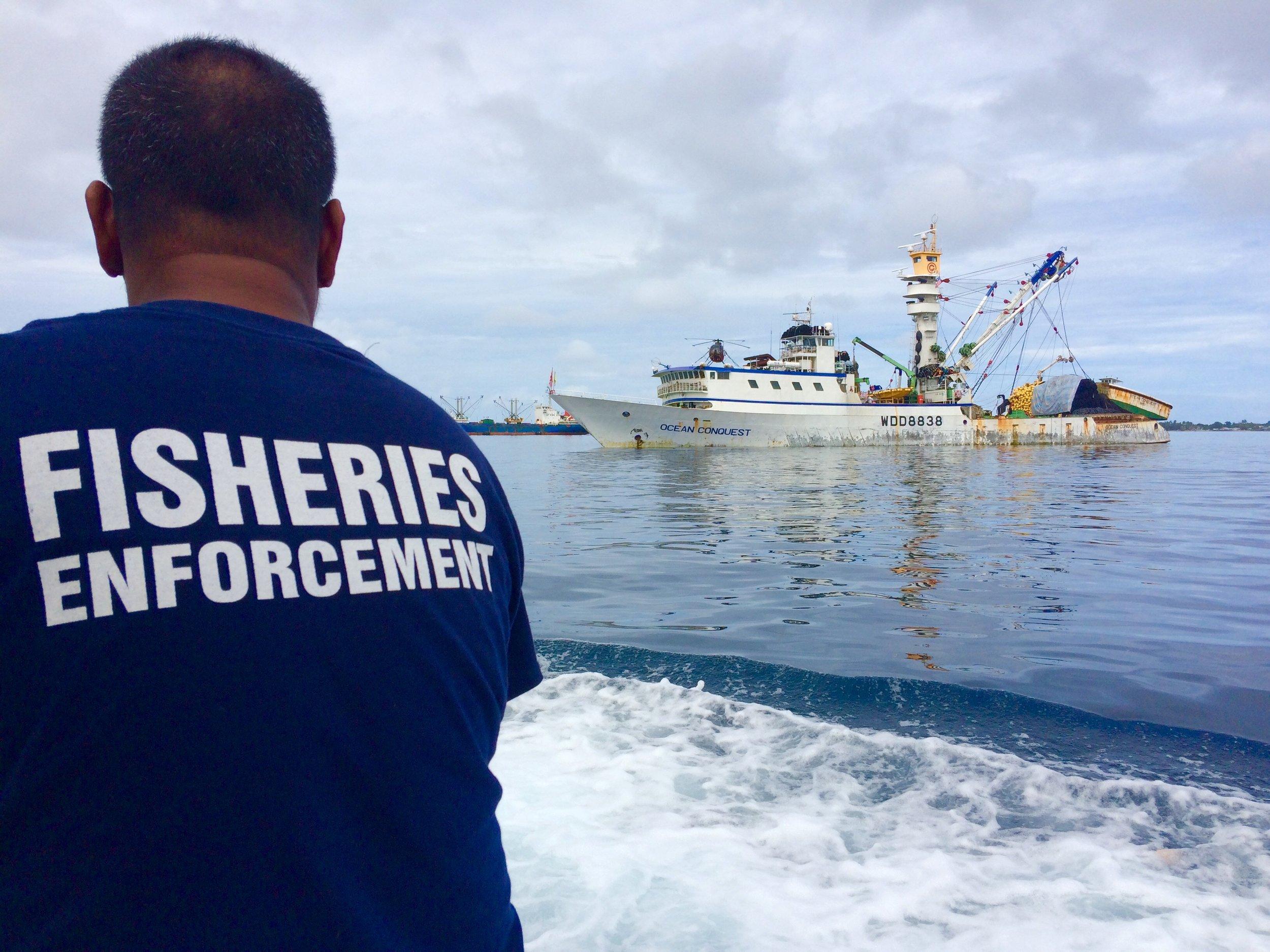 Trabajando en la implementación de las MEP en Majuro, el puerto atunero mas concurrido del Pacifico Sur-Oriental