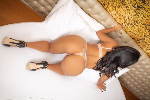 Daniela sensual.jpg