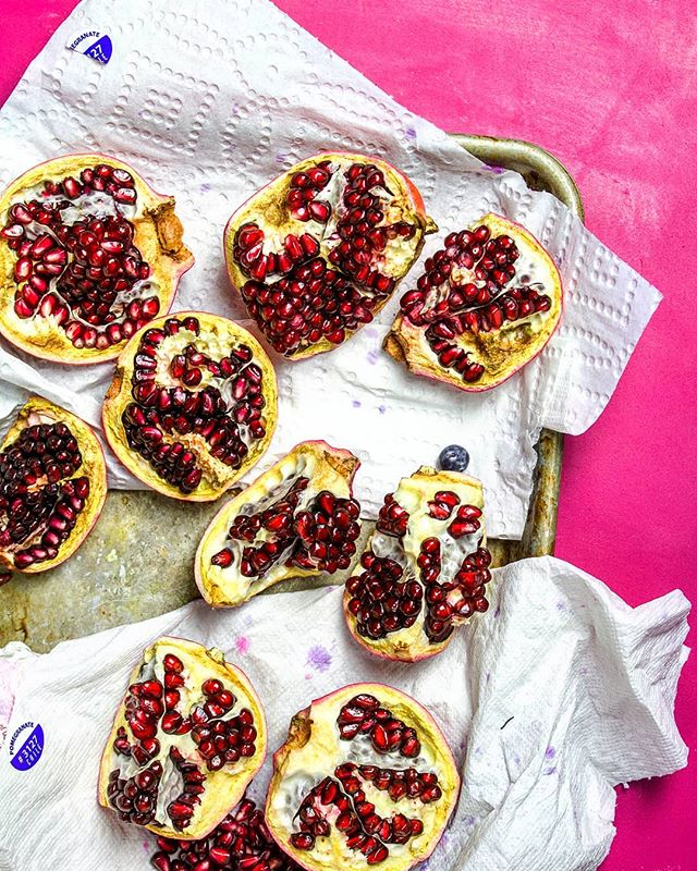 Making sure I get all the best chunks of pomegranate before styling and shooting them ✌