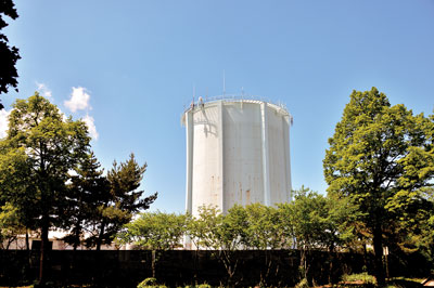 1960s   SEA worked to defeat a proposal to construct a massive above-ground metal water storage tank in southeast Evanston to improve water pressure. SEA and others opposed the structure, which would have detracted from the natural beauty of the area.