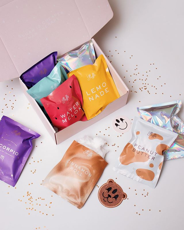 🔥⚡️GIVEAWAY ALERT!!⚡️🔥 We're so sorry for going MIA on you guys! We've been cooking up some very fun new products but it's literally been taking up all of our time!! So we're giving away 5 gift boxes of Fluffë to make up for the lack of eye candy on here 😉(OPEN INTERNATIONALLY) 🎉 . All you have to do is leave us a comment on this post! (tag a friend, give us a flavour suggestion or just a your fave emoji!💖🌸🦄👀) and we'll announce the winners next week, July 23rd! #giveaway #fluffegram #fluffe