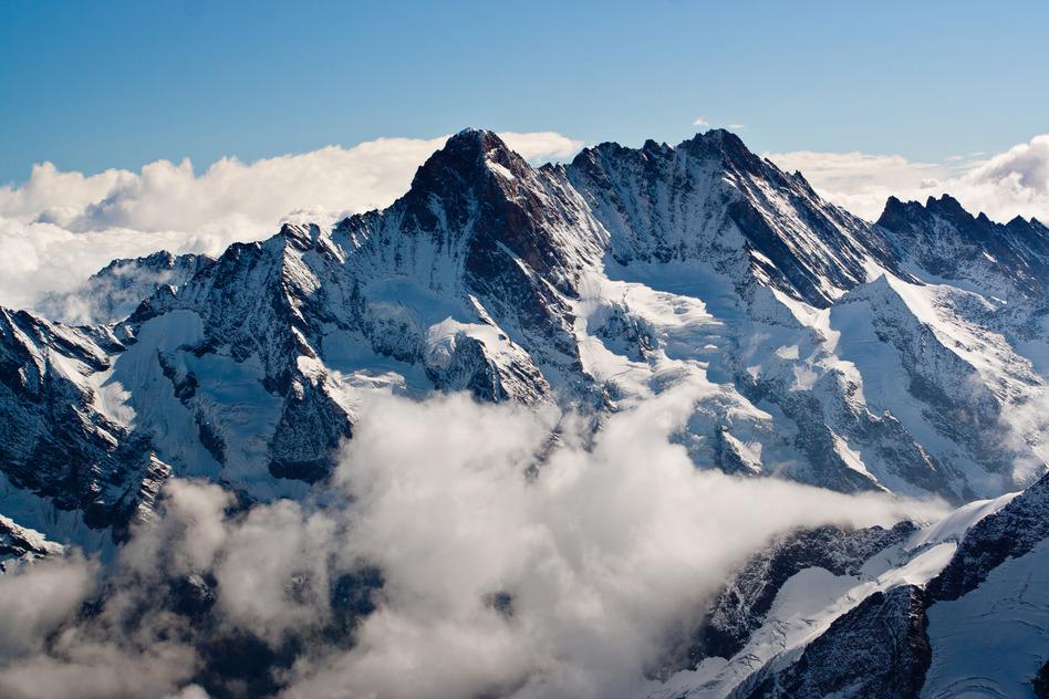 photodune-6014243-mountain-landscape-s.jpg