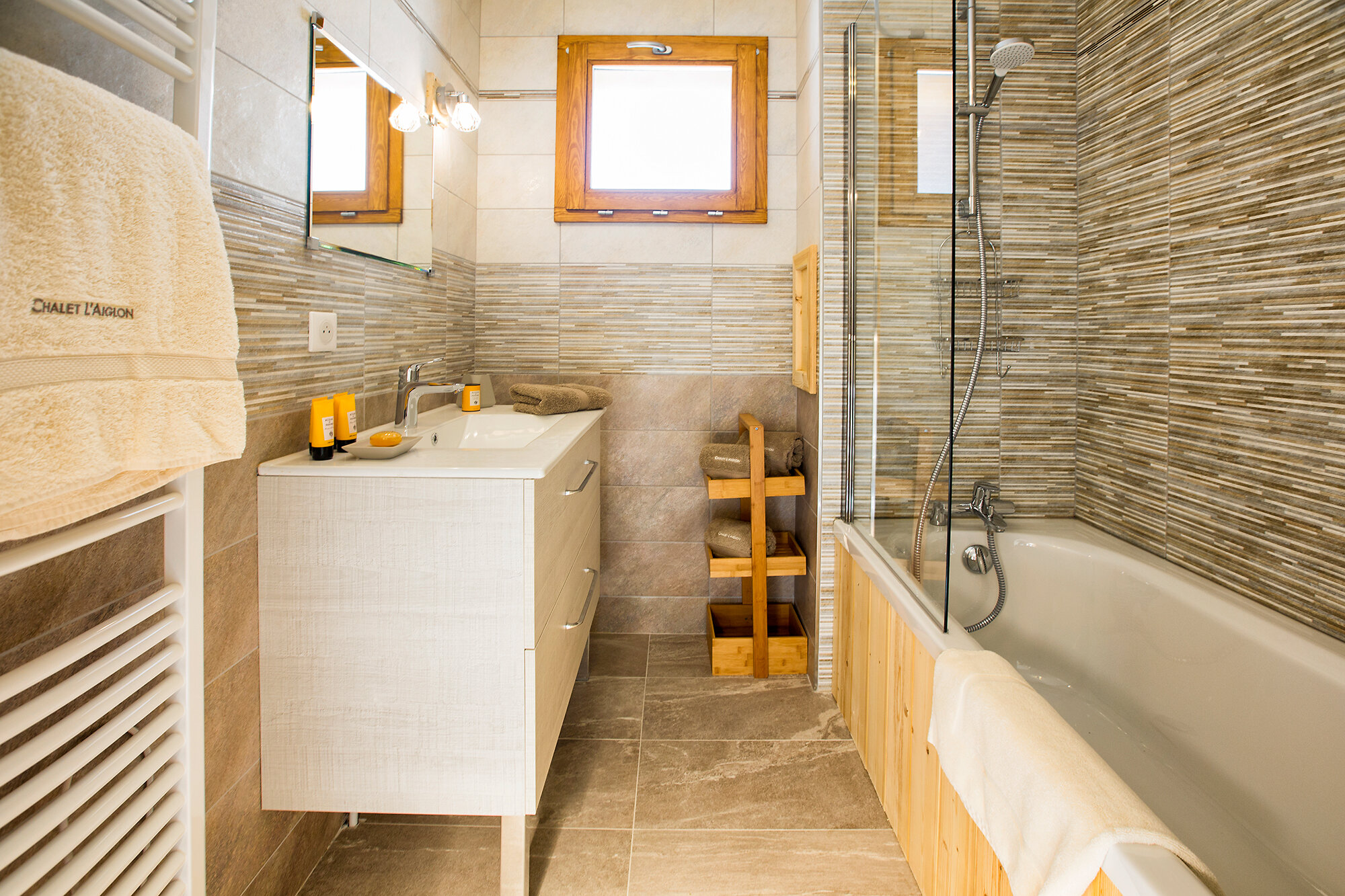 Shared Bathroom / Shower