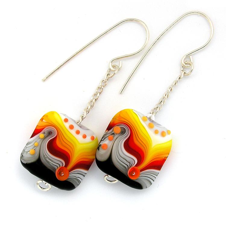 black earrings1.jpg