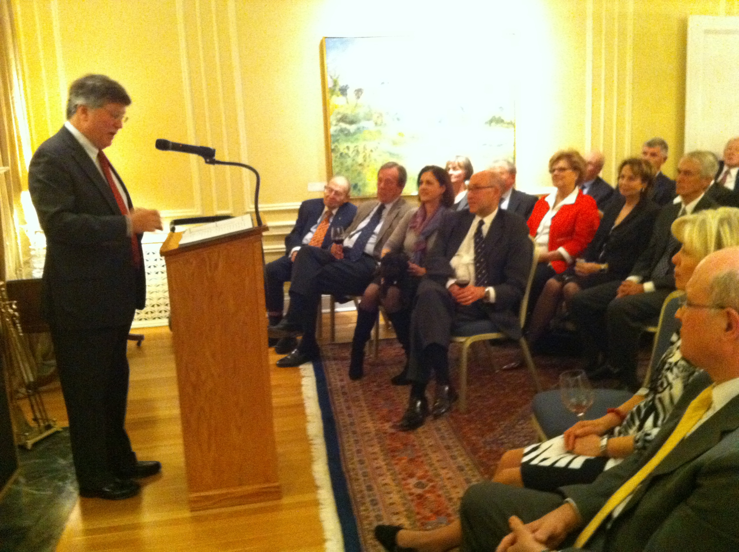 Prof. David Kennedy, the Rt. Hon. Herb Gray, Mrs. Julie Jacobson, Ambassador David Jacobson et al.