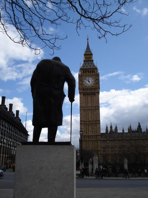 Churchill statue Parliament Square.jpg