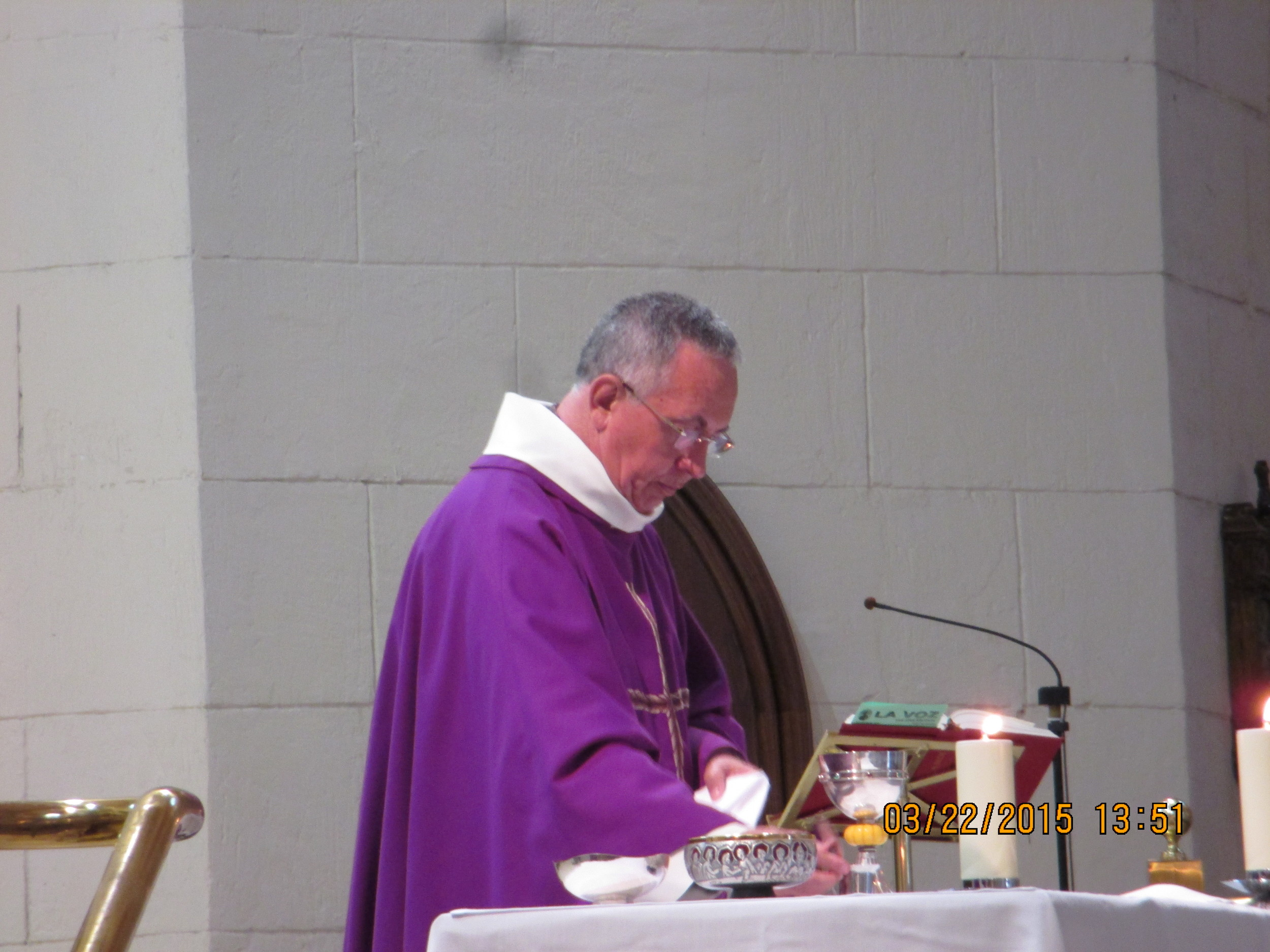 Celebrando a Santa Missa em Madri