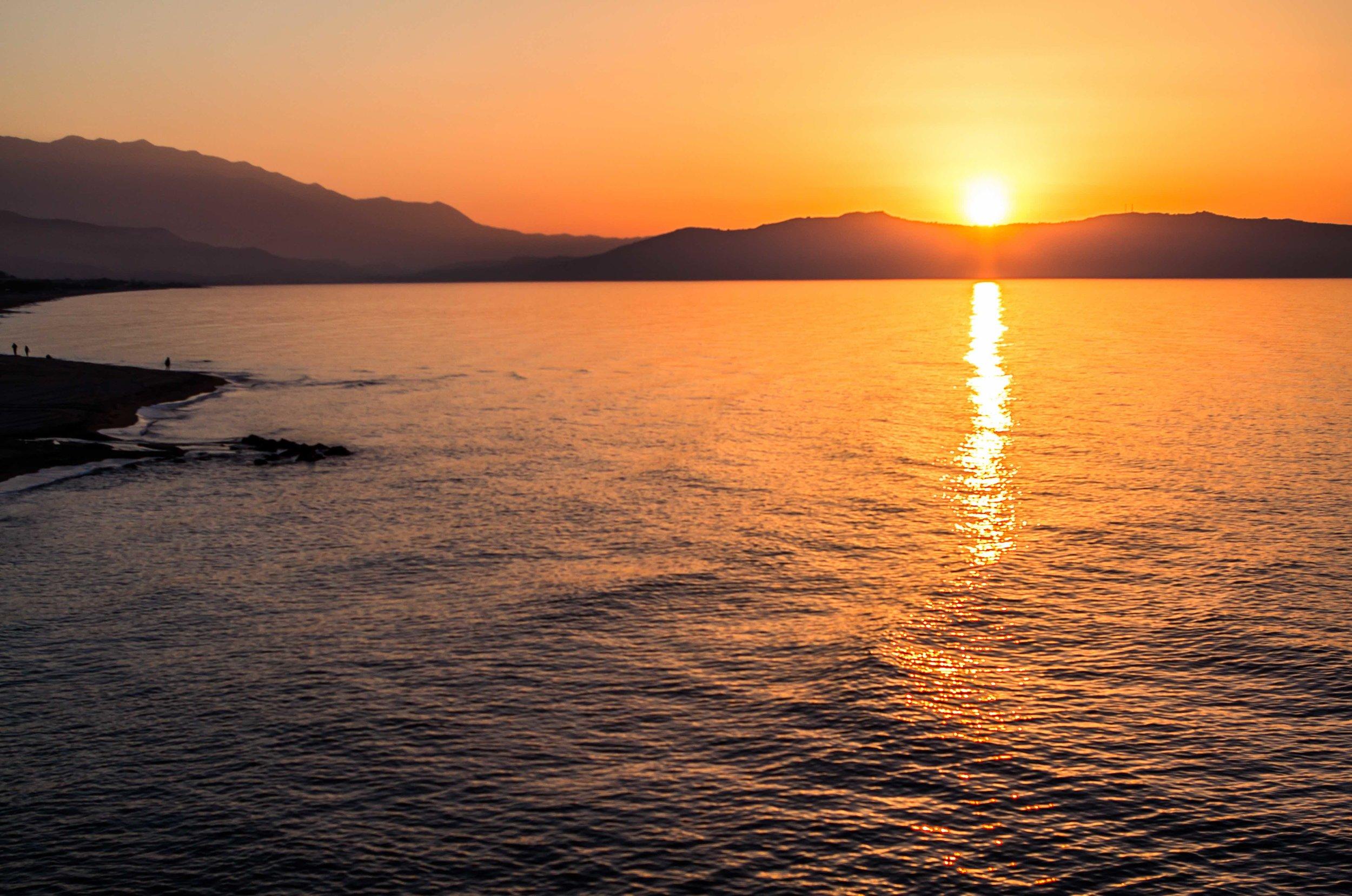 iStock-695123520 Sunset POROS.jpg