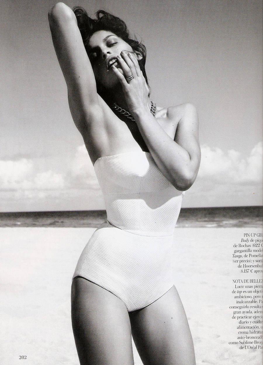 Laetitia-Casta-Vogue-Spain-5.jpg
