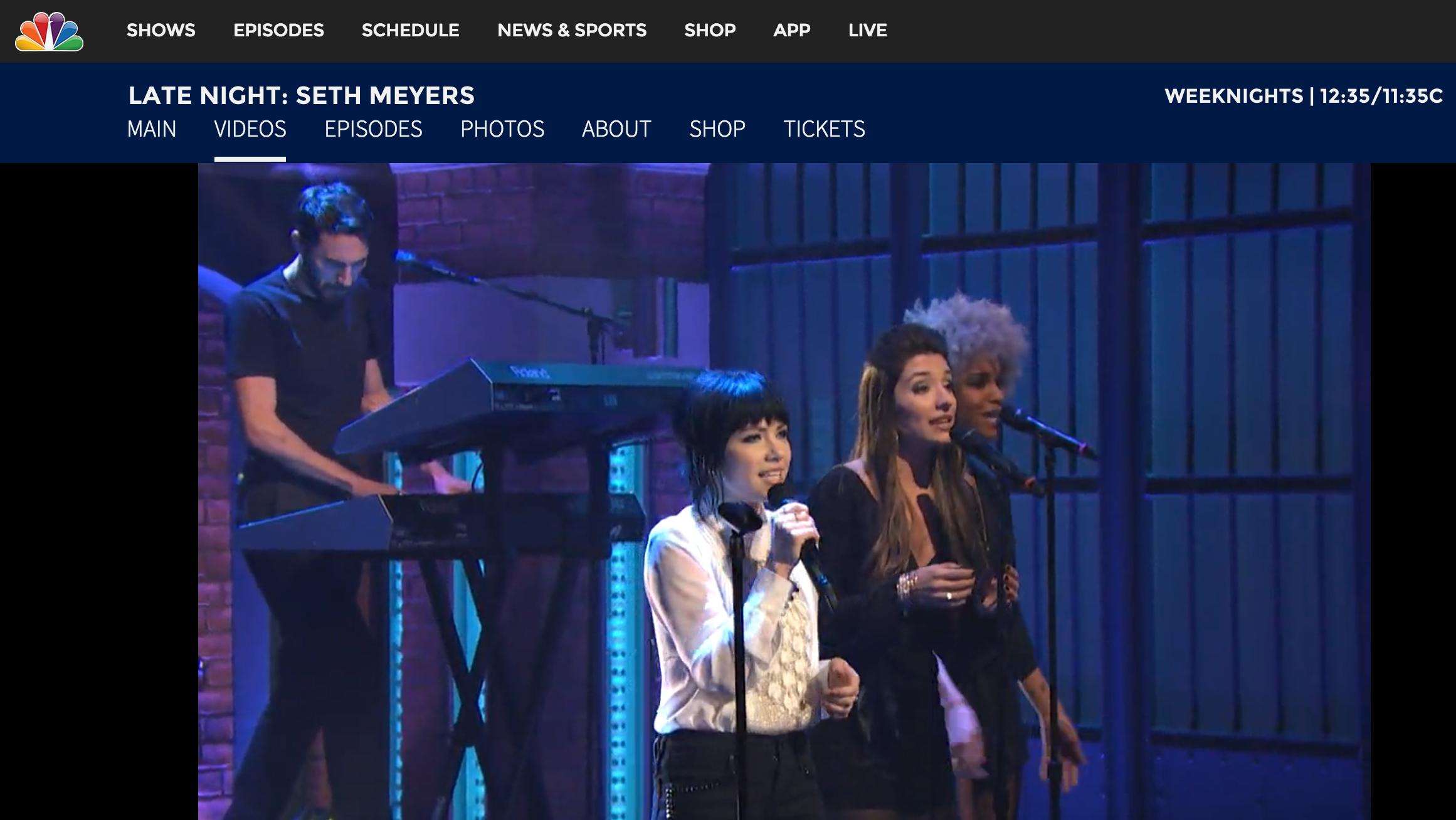 CARLY RAE JEPSEN live on Seth Meyers