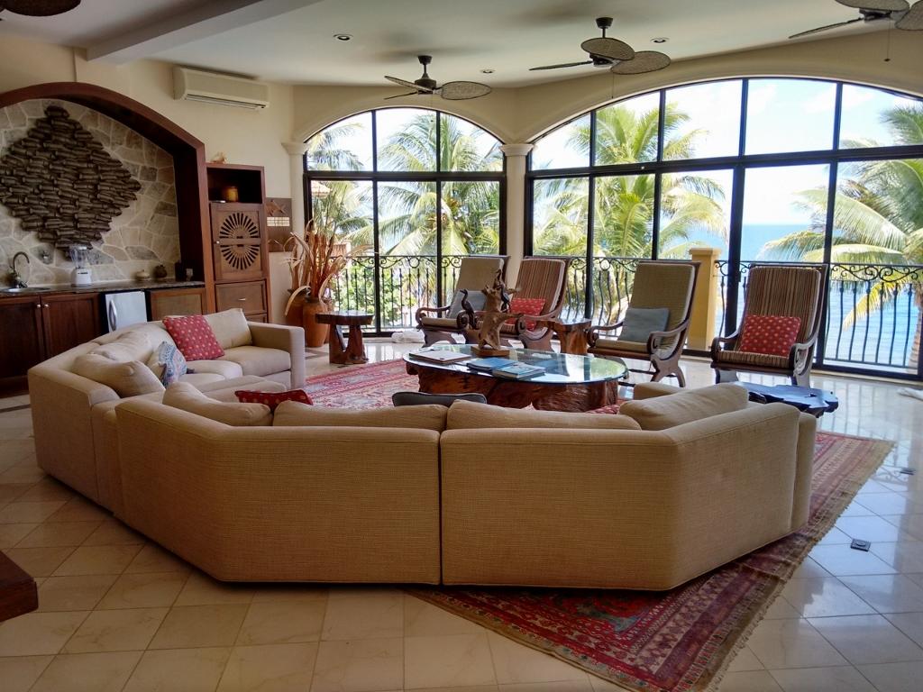 The living room of the second floor villa at villa veran0