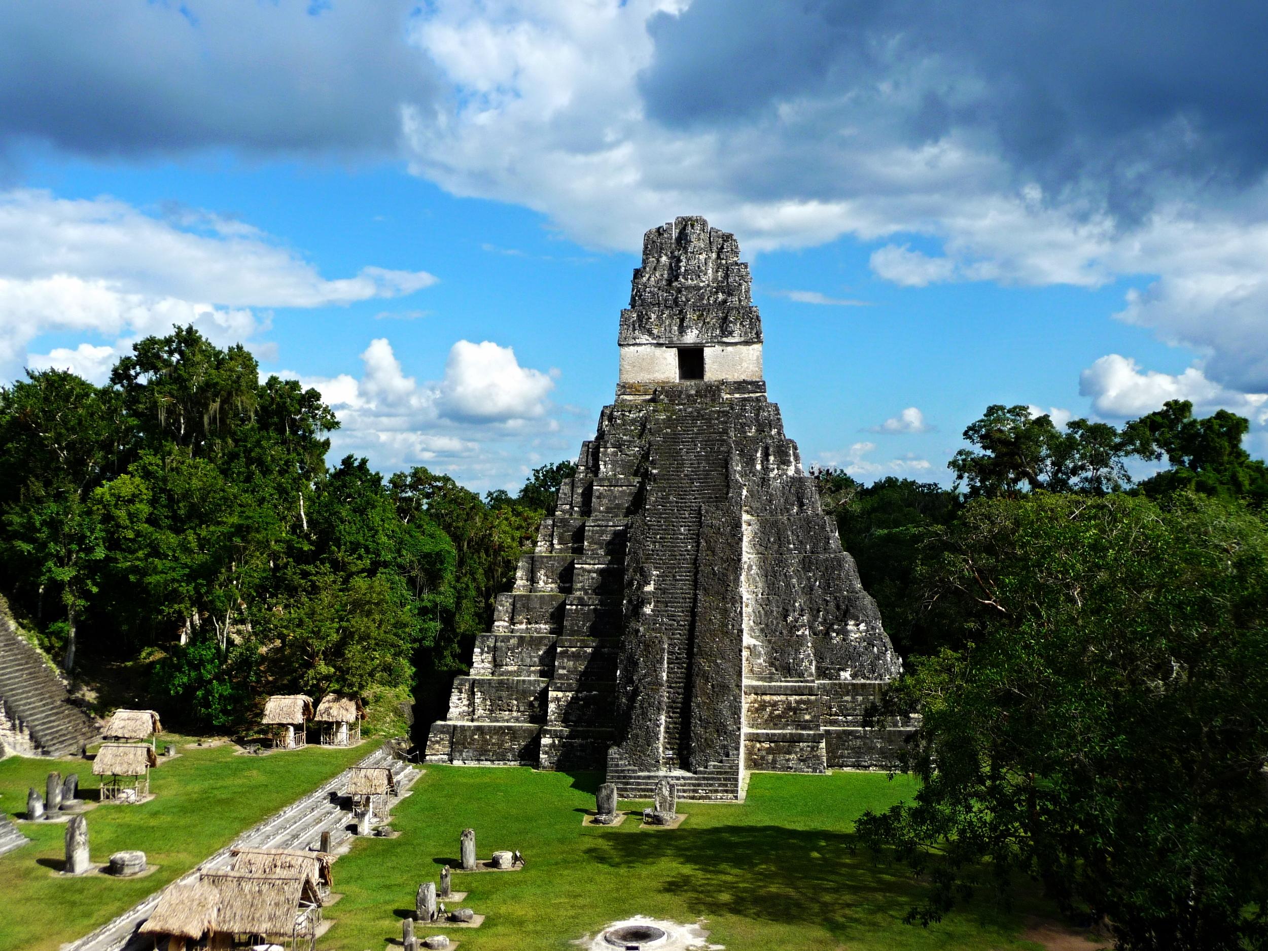 Templo Del Gran Jaguar - Tikal Maya Site - Belize Vacation Packages - Tikal - SabreWing Travel