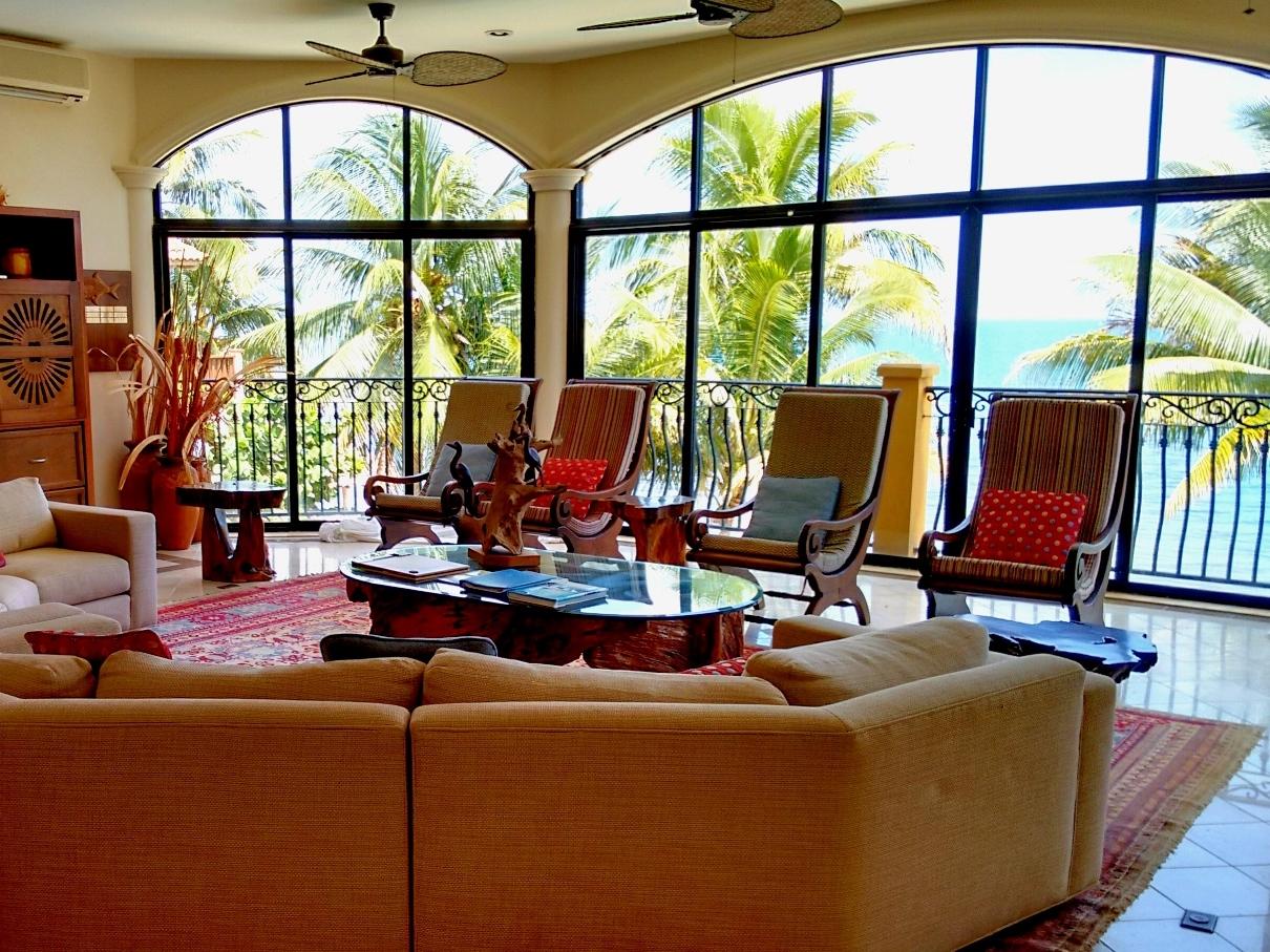 The Luxurious Villa Verano, Hopkins Beach, Belize