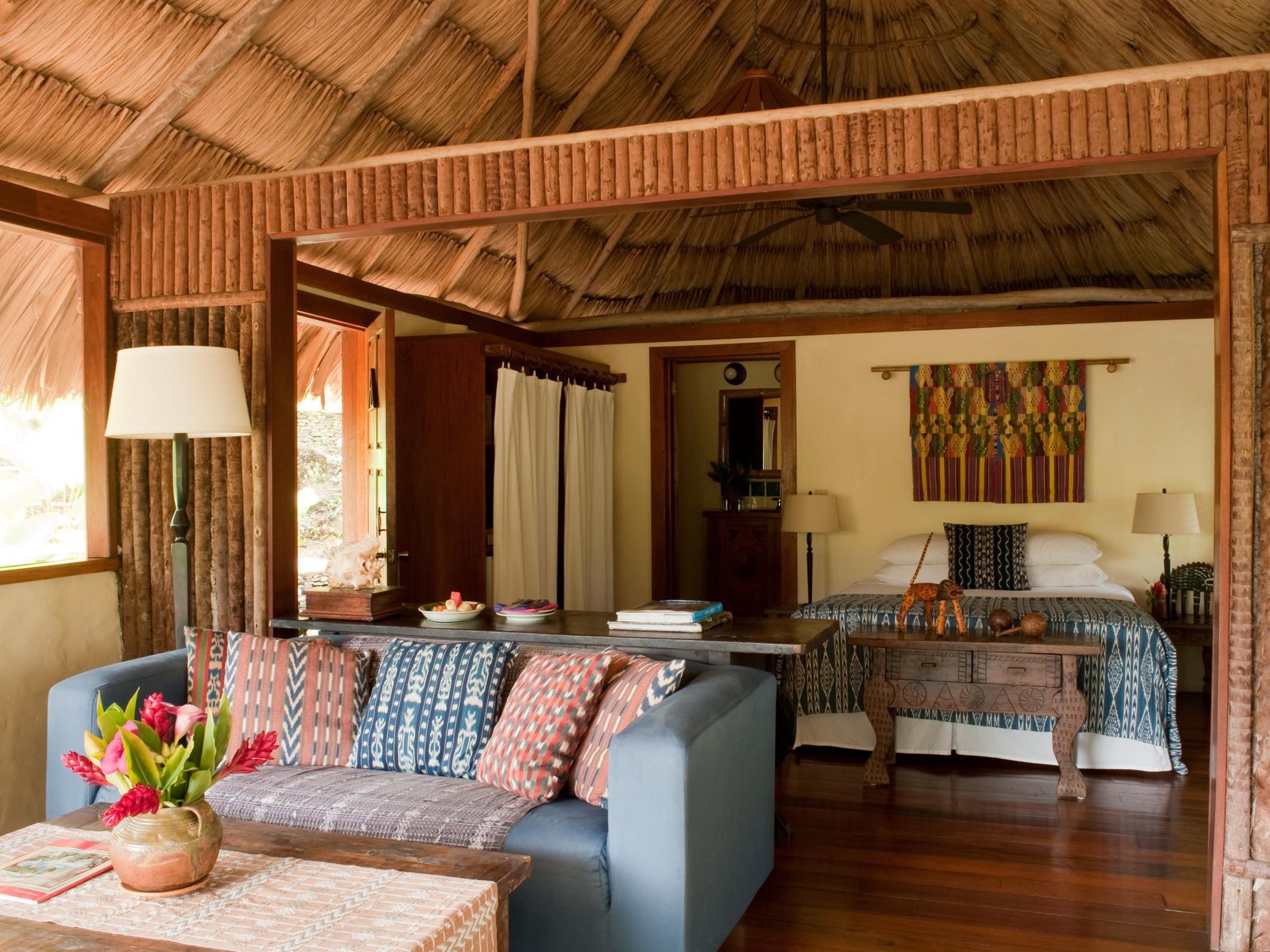 Blancaneauxe Lodge