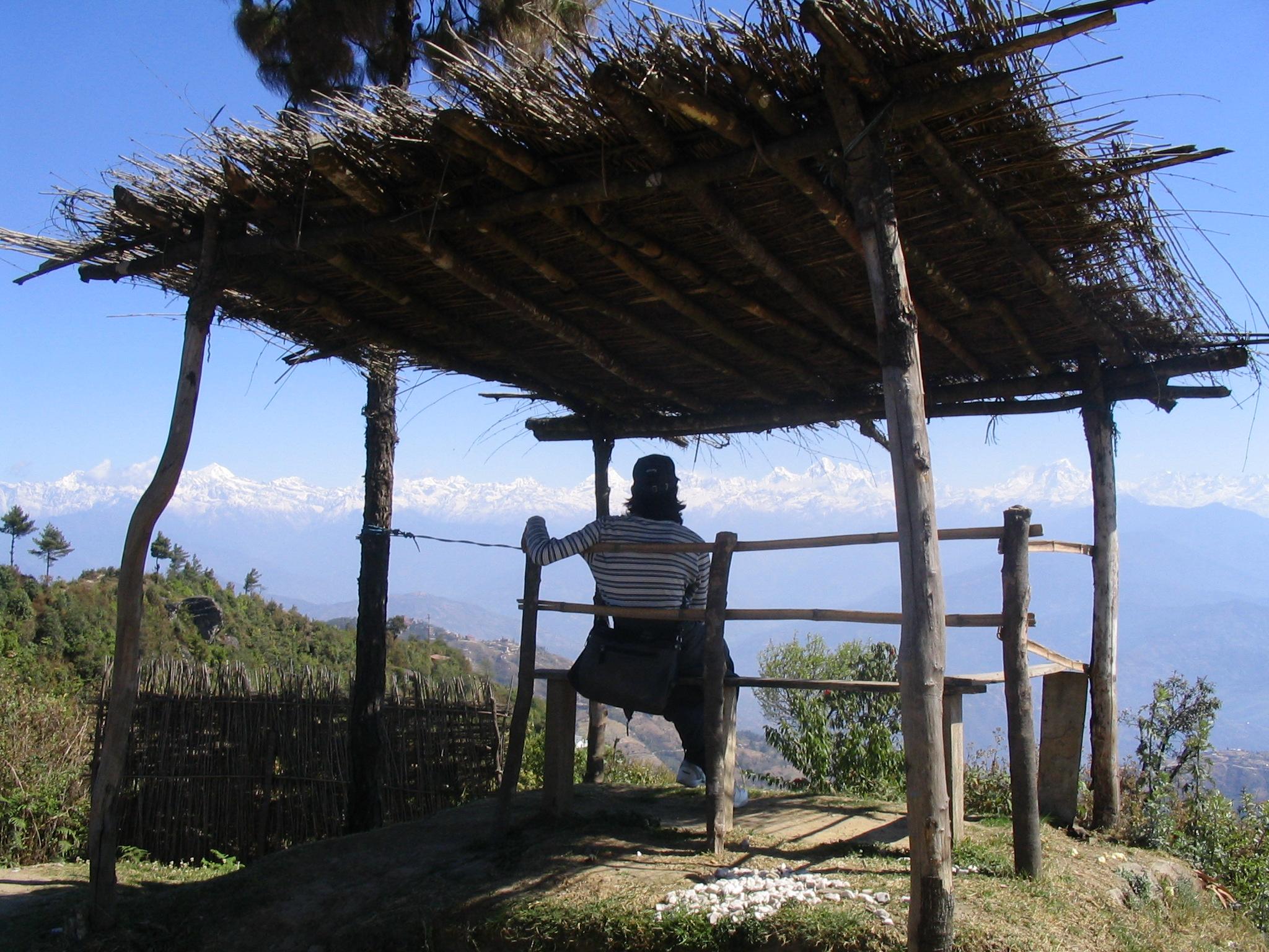Mon ami népalais Sagar contemplant l'Himalaya
