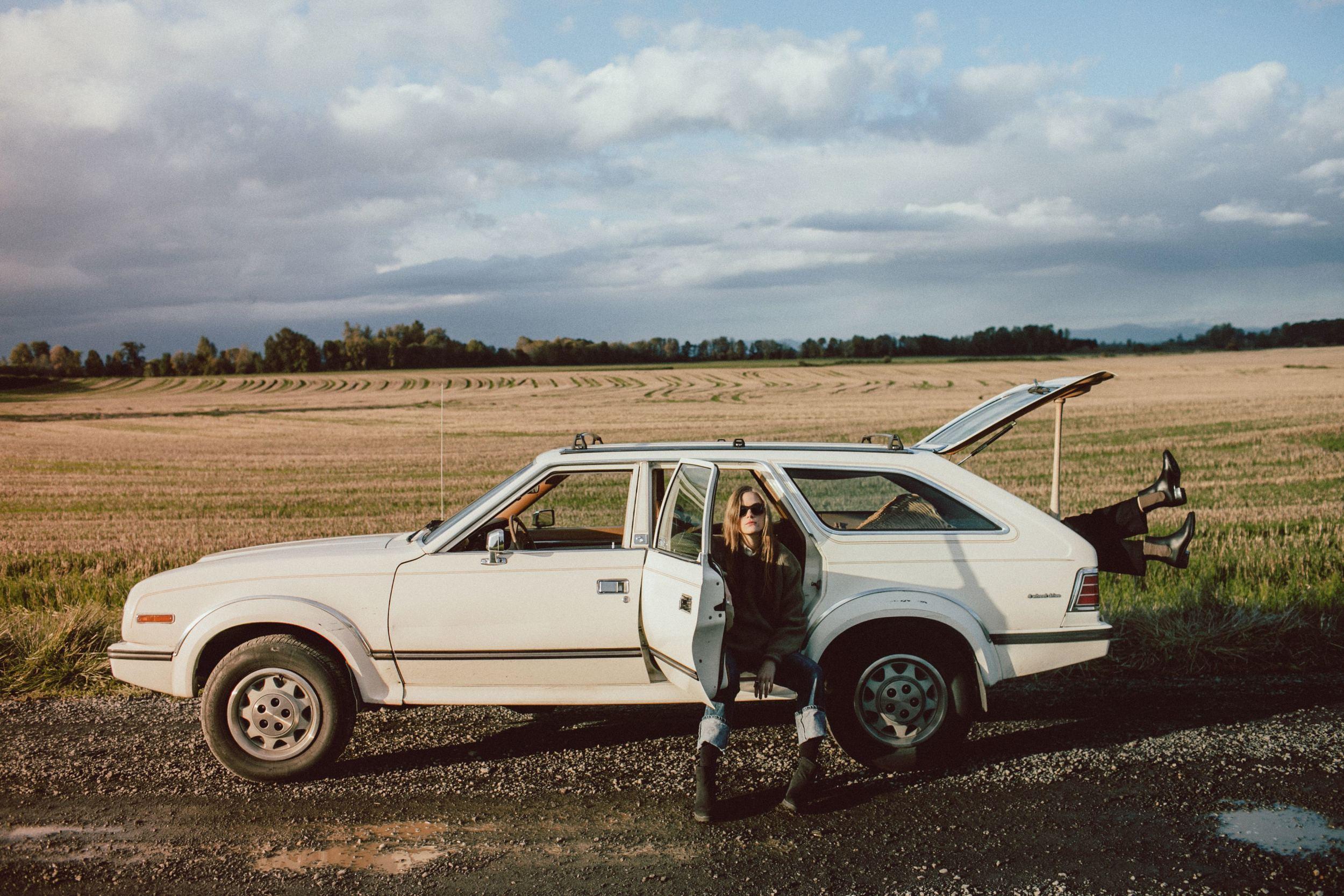 autumnal car and legs.JPG