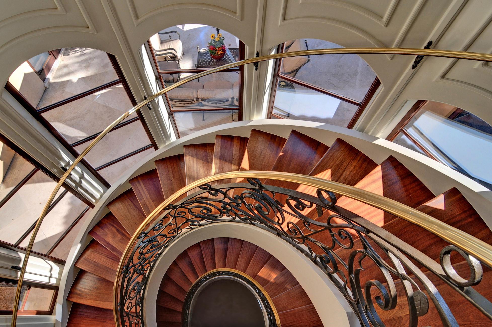 Staircase-1586910820-O.jpg