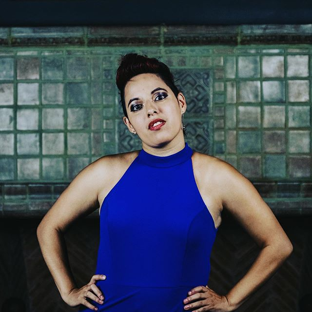 My mohawk, tan lines and I would love to see you at  the @topshelfvocal summer show, at @mimoda_studio this Saturday at 7:30! #acapella #singer #music 📸 @hellocolorgray