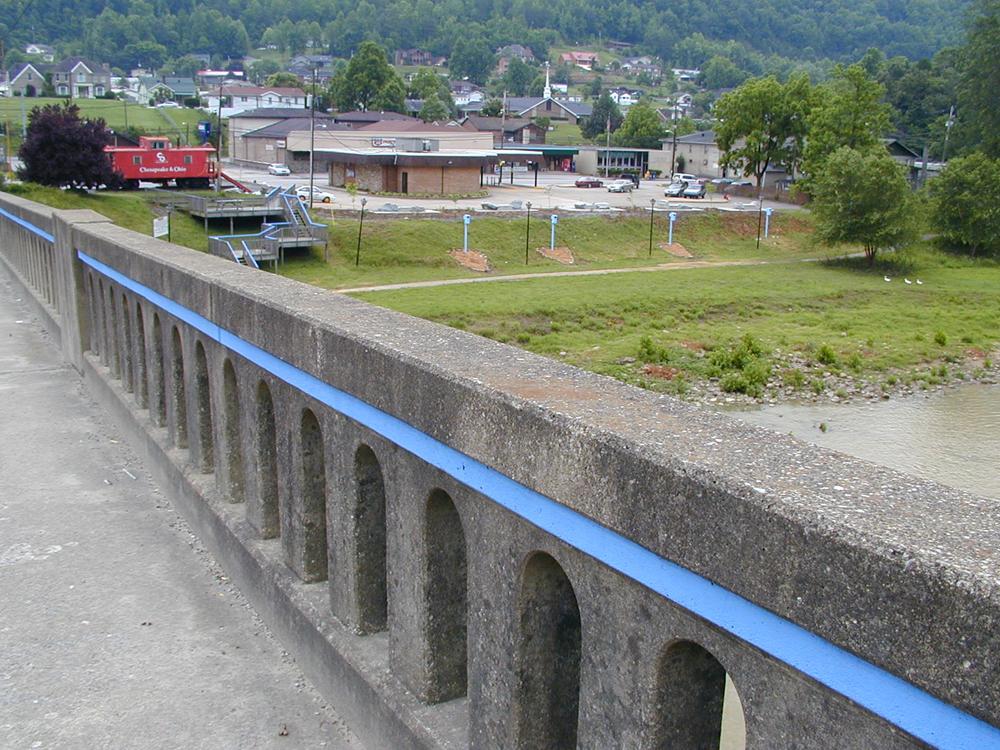 BlueLine view bridge to park.small.jpg