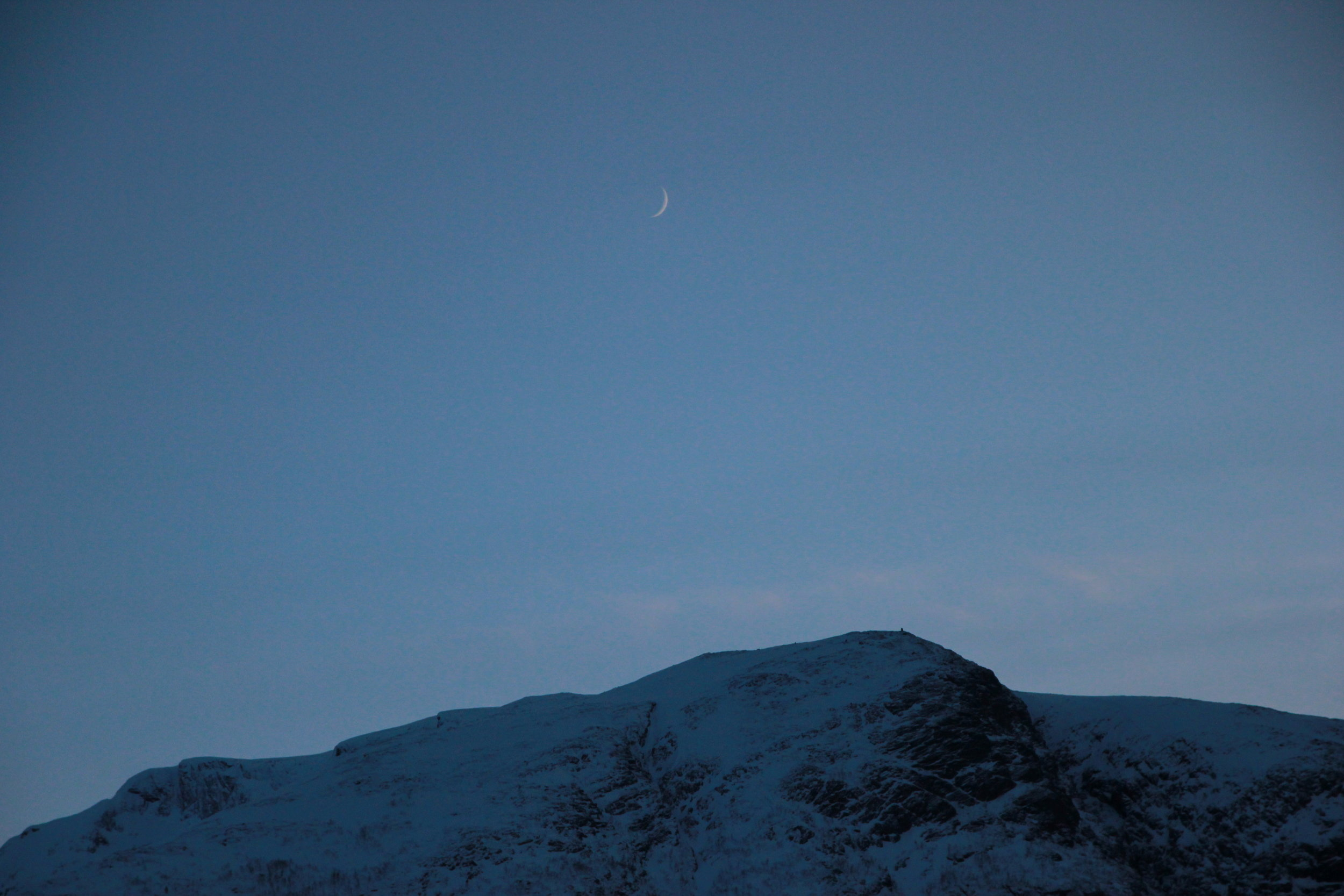 Isfjorden Winter Moon 2019.JPG