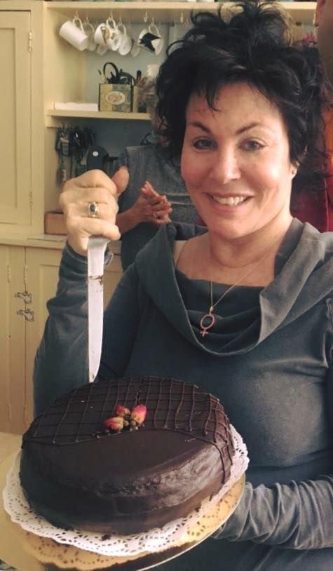 Ruby Wax about to get stuck into one of our delicious Sachertortes -