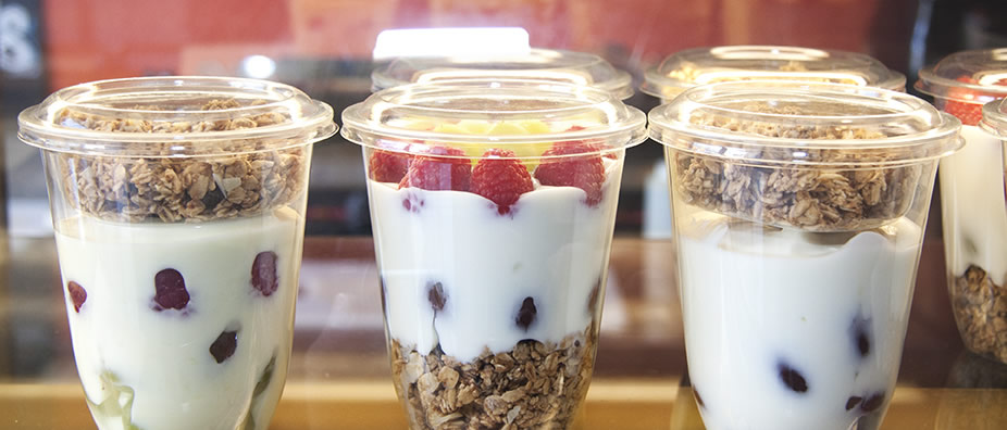 NATURAL YOGURT & IRISH GRANOLA POT 🌱 - Natural yogurt pot topped with our deliciously crunchy Irish granola.