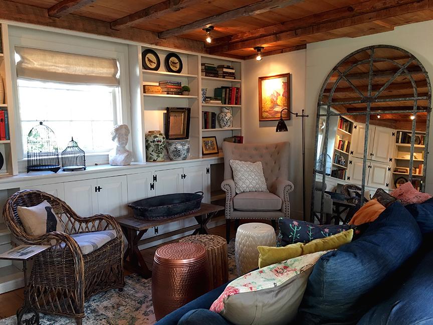 Livingroom Corner.jpg