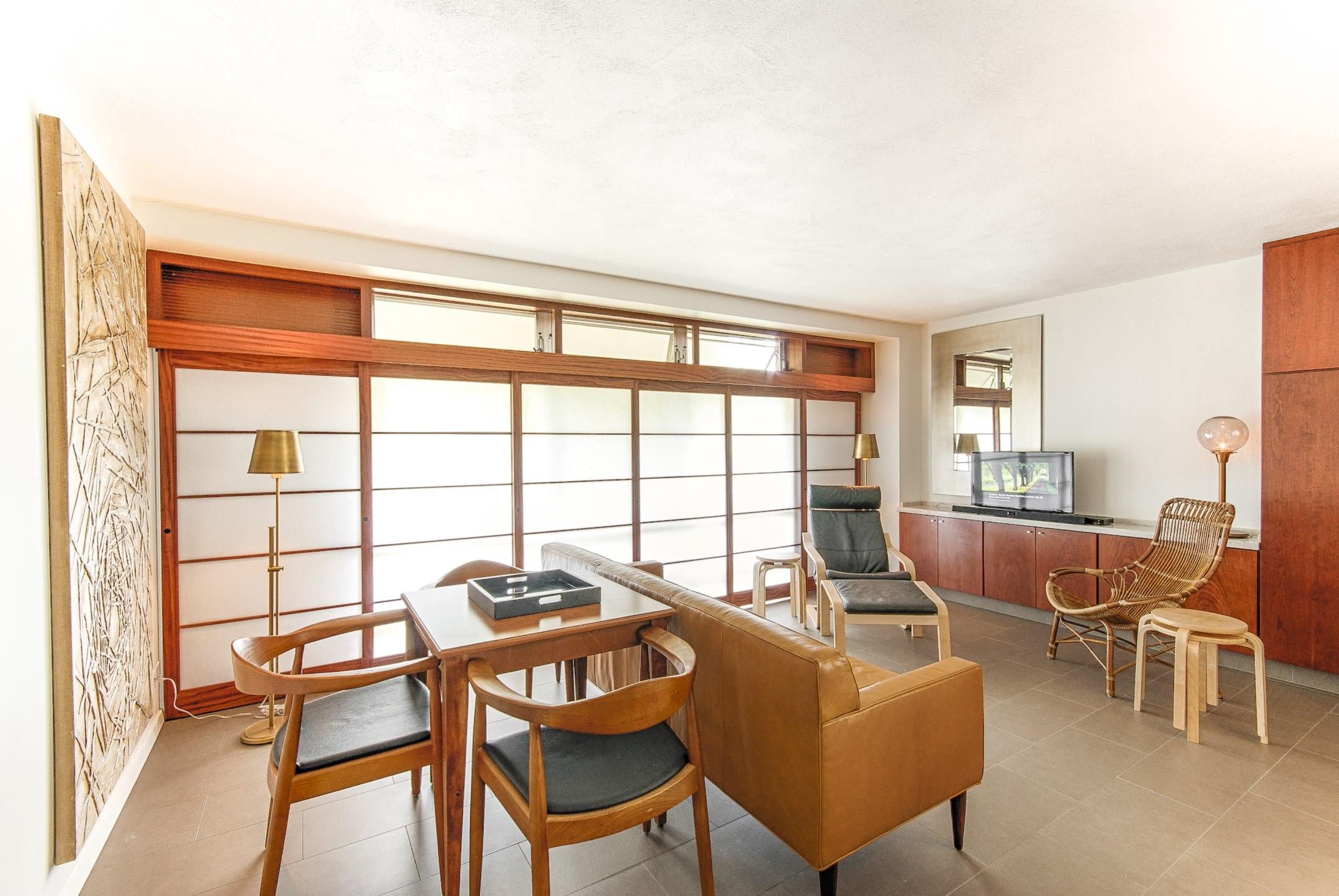 2honolulu-city-apartment-marshall-design-studio.jpg