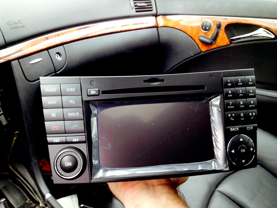 MercedesE350_NewRadio.png