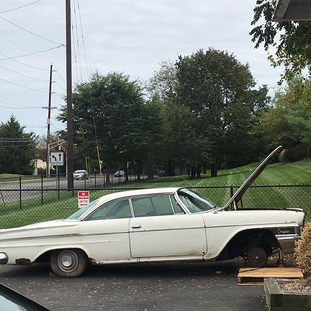 1962 Chrysler 300 coupe. Last started in 2008.  Free up the drums and drove in on its own power. #RanWhenParked